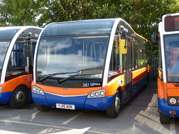 Centrebus [High Peak] 287 160807 Dove Holes