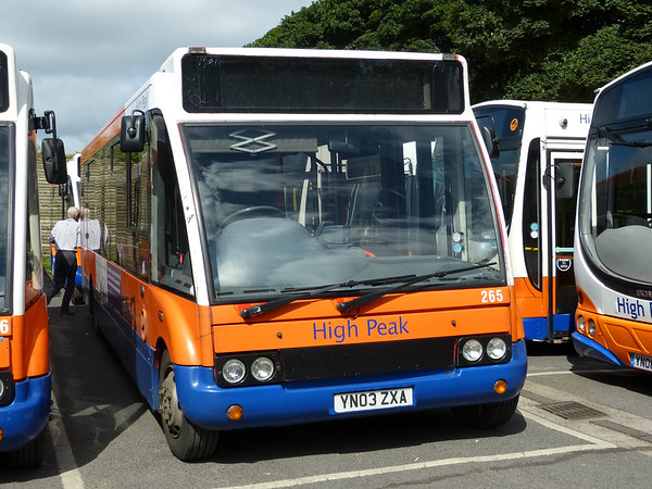 Centrebus [High Peak] 265 160807 Dove Holes