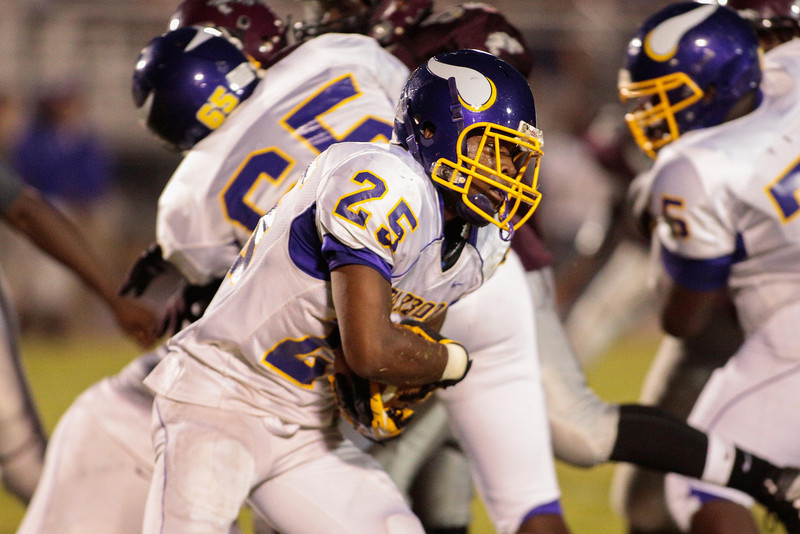 Tarboro  Julian Lee (25) during tonights game. Tarboro Vikings defeat Nash Central Friday Night Aug, 23 2013. (Photo By Anthony Barham)