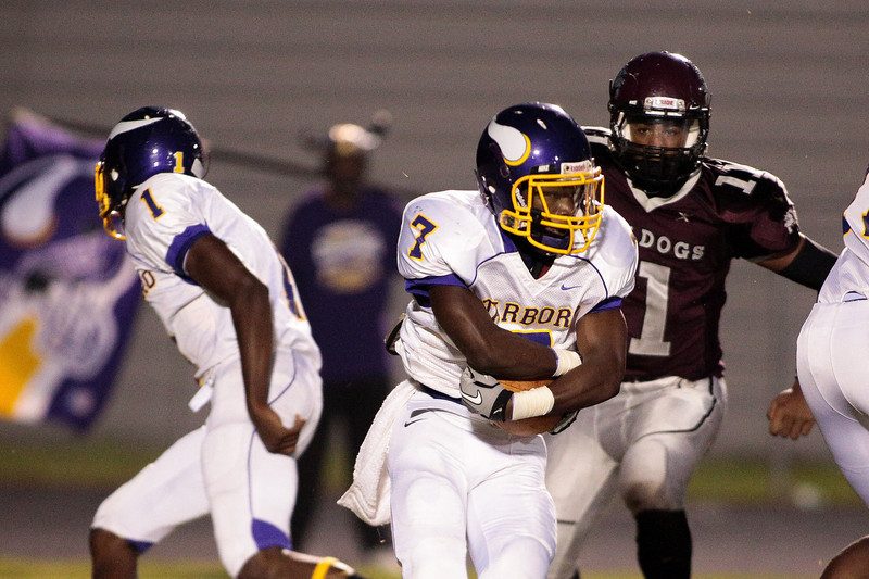 Tarboro  Deshan Farmer (7) during tonights game. Tarboro Vikings defeat Nash Central Friday Night Aug, 23 2013. (Photo By Anthony Barham)