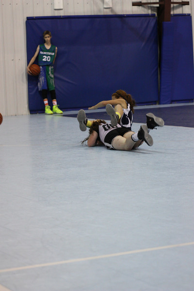 6TH GIRLS BASKETBALL 2013 656