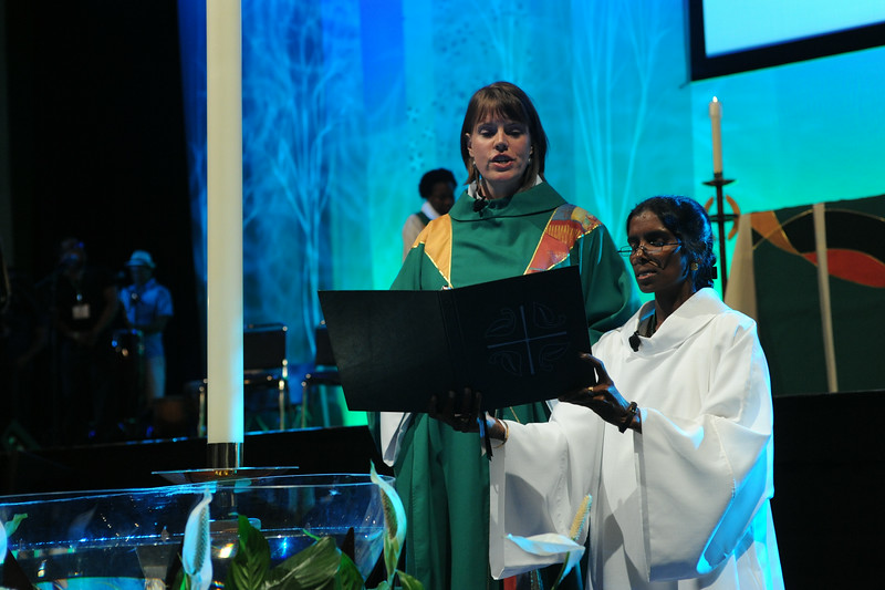 Ninth Triennial Gathering | The Rev. Callista Isabelle (left) presided and The Rev. Veronica Angela Sathuri from Andhra Evangelical Lutheran Church, assisted in closing worship