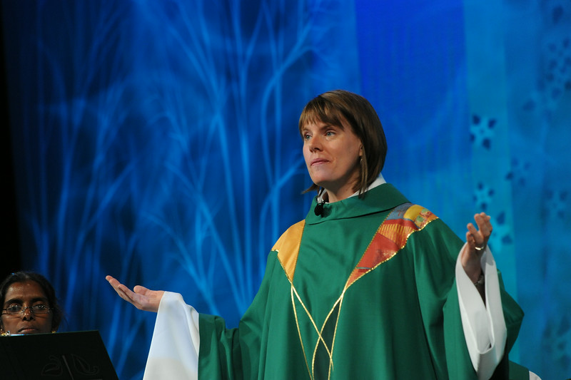 Ninth Triennial Gathering | The Rev. Callista Isabelle leads the closing worship