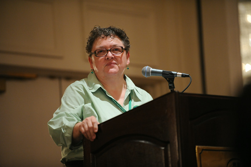 Ninth Triennial Gathering | Linda Post Bushkofsky addresses the crowd of 700 first-time attendees