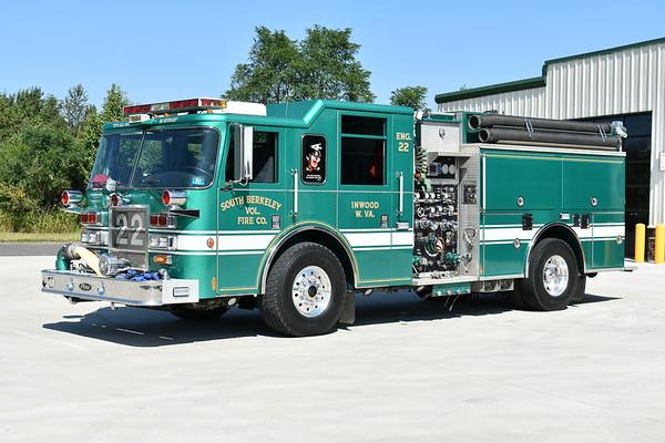 South Berkeley VFC Engine 22, a 2001 Pierce Dash 1500/1000 with Pierce job number 12882.