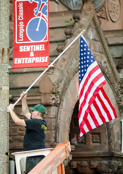 DPW hangs flags before 4th of July
