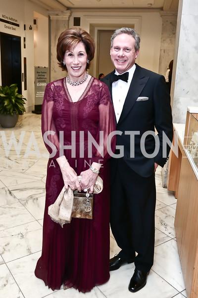 Founding Gala Chairs Catherine and Wayne Reynolds. Photo by Tony Powell. Inaugural American Portrait Gala. November 15, 2015