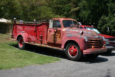 Friendship's old 1949 Chevy/Oren, 500gpm pump, sn- 500-A-1084 antique engine.