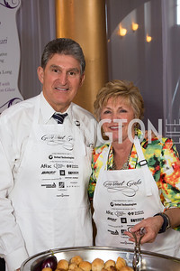 Senator Joe Manchin (D-WV) and Mrs. Gayle Manchin