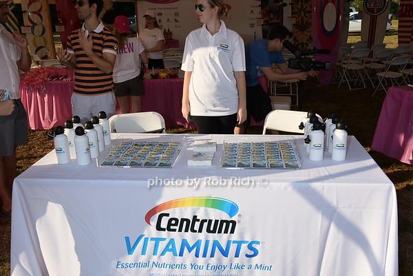 Centrum vitamins<br /> photo by Rob Rich/SocietyAllure.com © 2015 robwayne1@aol.com 516-676-3939