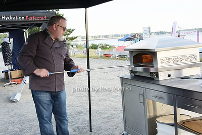 Kalamazoo Pizza Oven photo by Rob Rich/SocietyAllure.com © 2015 robwayne1@aol.com 516-676-3939