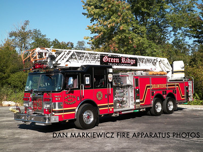 GREEN RIDGE FIRE CO. DELAWARE COUNTY TRUCK 63 2003 PIERCE AERIAL LADDER QUINT