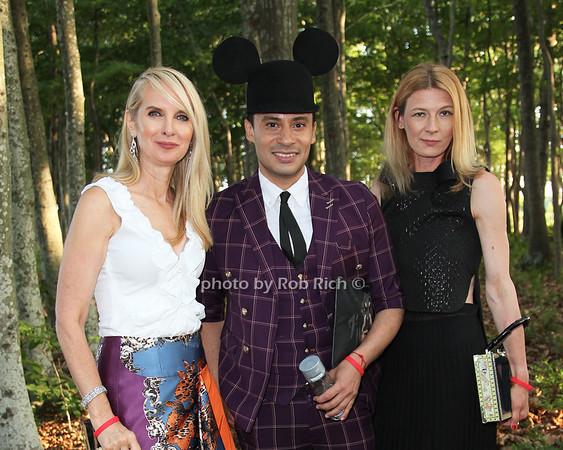 Sara Herbert-Galloway and Victor De Souza and Daniela Zahradnikova