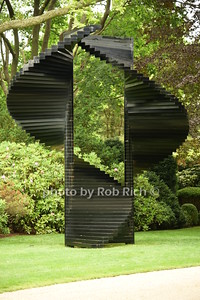 Sculpture of the Double Helix The Anke and Juergen Friedrich estate 160 Ox Pasture Rd., Southampton photo by Rob Rich/SocietyAllure.com © 2015 robwayne1@aol.com 516-676-3939