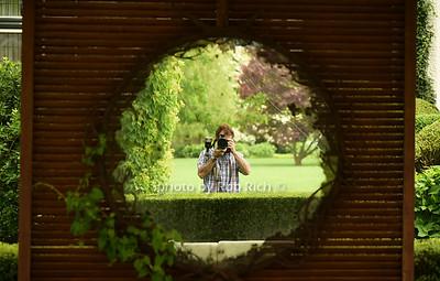 self portrait The Anke and Juergen Friedrich estate 160 Ox Pasture Rd., Southampton photo by Rob Rich/SocietyAllure.com © 2015 robwayne1@aol.com 516-676-3939