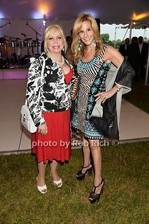 LIz Derringer and Randi Schatz photo by Rob Rich/SocietyAllure.com © 2015 robwayne1@aol.com 516-676-3939
