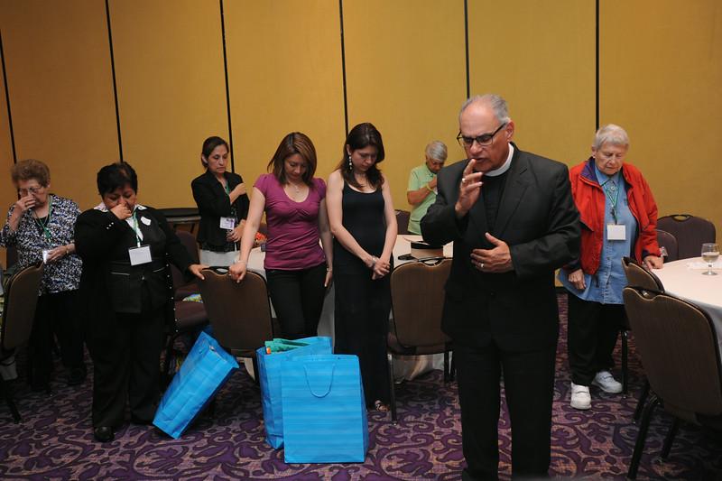 Ninth Triennial Gathering | The Rev. Rafael Malpica-Padilla, executive director for ELCA Global Mission leads a prayer.