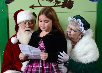 Yargo Elementary Santa 2013