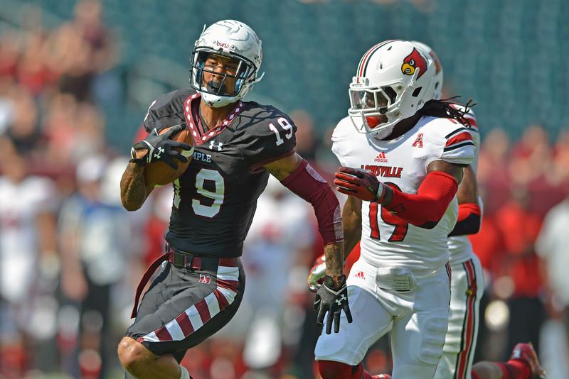 NCAA Football 2013 - Louisville Cardinals at Temple Owls