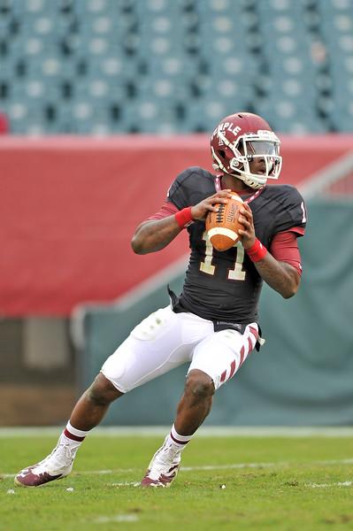 PHILADELPHIA - NOVEMBER 16: Temple quarterback P.J. Walker (11) drops back to pass during the AAC college football game November 16, 2013 in Philadelphia.