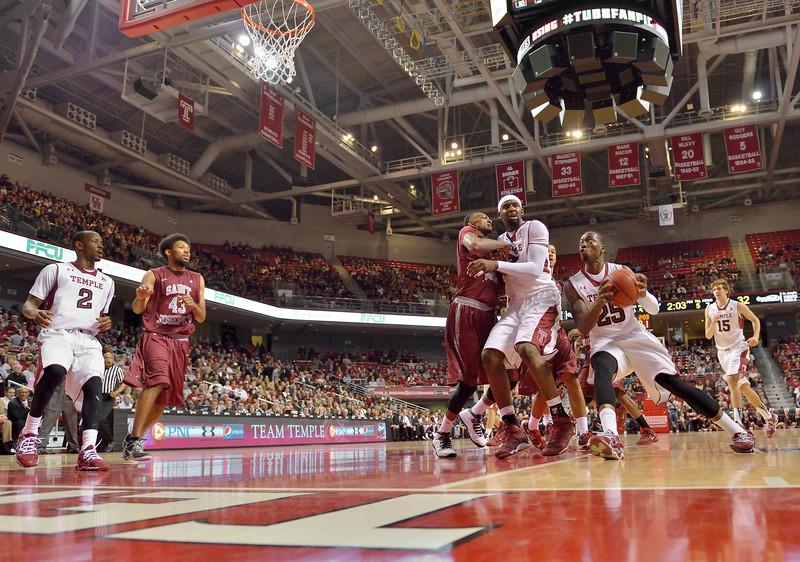 NCAA Basketball 2013 - St. Joseph's Hawks  at Temple Owls