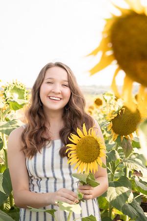 Niki Sunflowers at the Gin-18