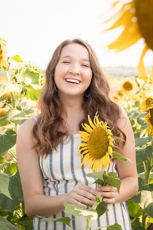 Niki Sunflowers at the Gin-19