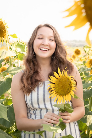 Niki Sunflowers at the Gin-16