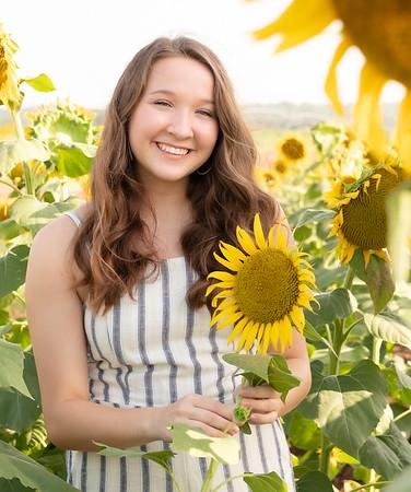 Niki Sunflowers at the Gin-10
