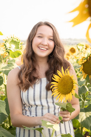 Niki Sunflowers at the Gin-17