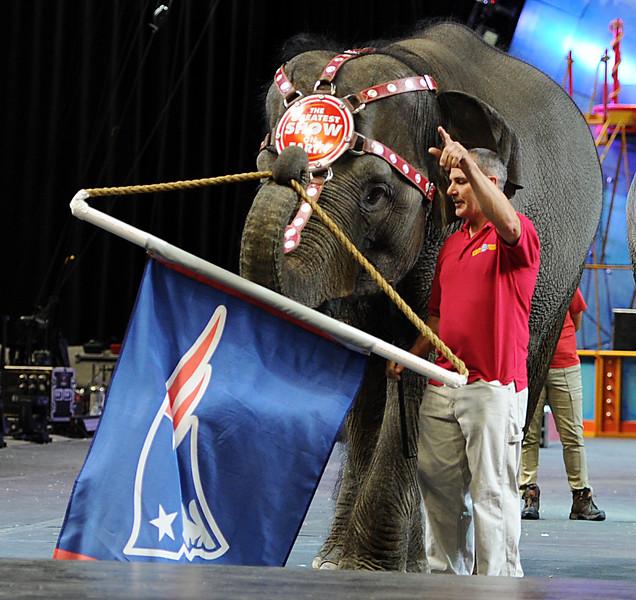 s0130ringling_circus