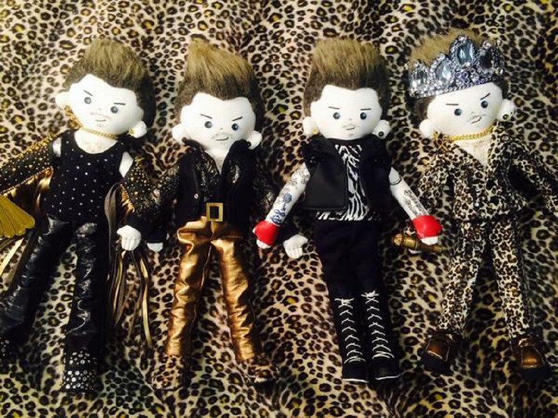 KARDAMDOLL TOUR OUTFITS