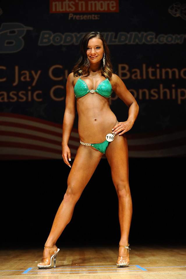 a Melanie Montanaro (22)