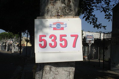 5357 SIGN AND FWY BANNER ARROWS