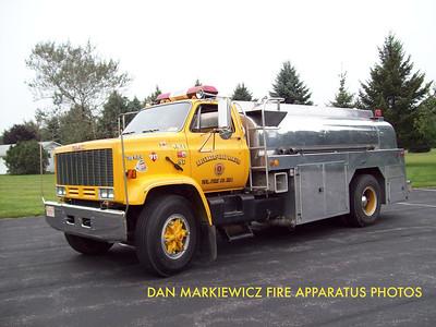 KLECKNERSVILLE RANGERS FIRE CO. TANKER 4831 1990 GMC/BOYKO TANKER