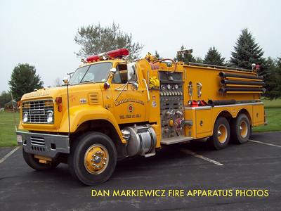 KLECKNERSVILLE RANGERS FIRE CO. ENGINE 4811 1976 CHEVY/HAHN TANKER PUMPER