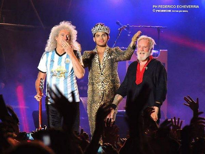 "👑✨👑✨👑 Rebel Heart @unpocodepaz11 <br /> "" @adamlambert you stole Argentina's heart and blew our minds away #Geba #Queen ""<br /> <br /> <br /> <a href=""https://twitter.com/unpocodepaz11/status/647870634706534400"">https://twitter.com/unpocodepaz11/status/647870634706534400</a>"