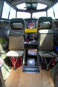 Entrance to the nose - you drop down between the pilot and co-pilot seats ...