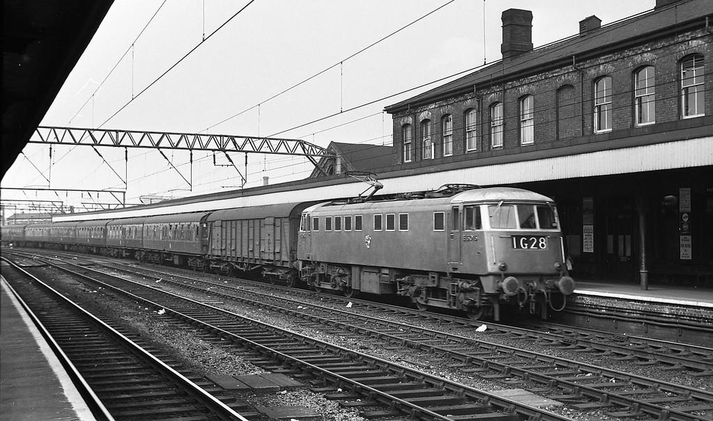 E3015, up passenger, Stockport, August 13, 1964.