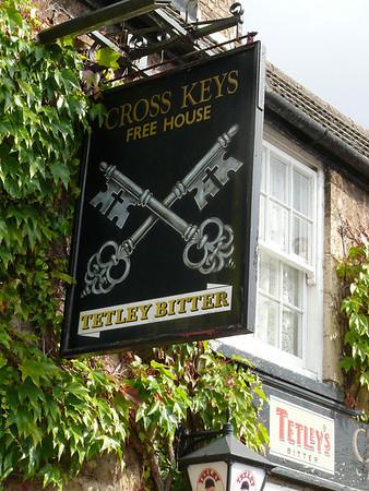 Pub Sign - Cross Keys, Elton Road, Wansford 110903