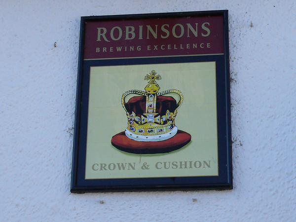 Pub Sign - Crown & Cushion, Boroughgate, Appleby 110302