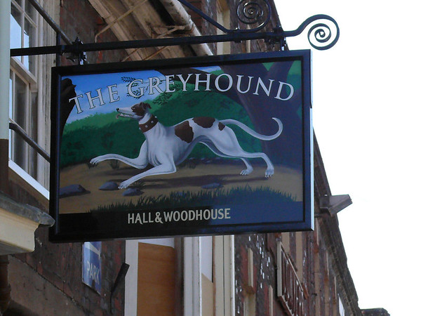 Pub Sign - The Greyhound, Market Place, Blandford Forum 110408
