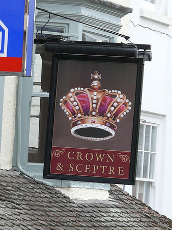 Pub Sign - Crown & Sceptre, Market Place, Ross-on-Wye 110718
