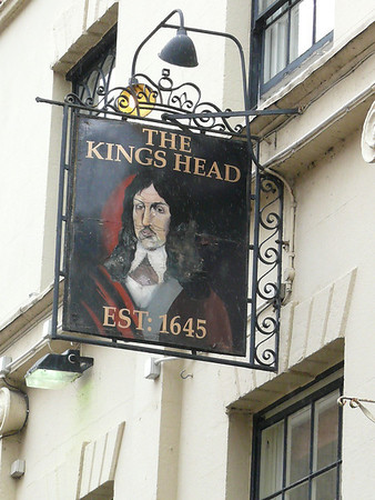 Pub Sign - The Kings Head, High Street, Ross-on-Wye 110718