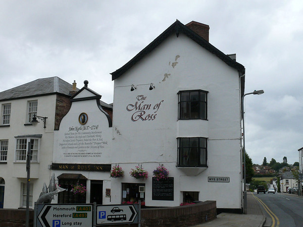 Pub Sign - Man of Ross, Wye Street, Ross-on-Wye 110718