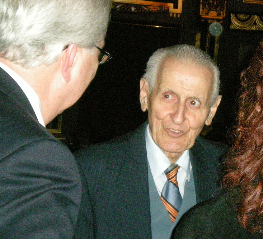 ". Dr. Jack Kevorkian at the HBO ""You Don\'t Know Jack\"" �premiere.   The Oakland Press/CAROL HOPKINS"