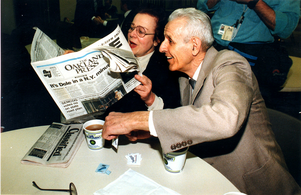 . FILE PHOTO: March 8, 1996.  Dr. Jack Kevorkian with his sister Flora Holzhimer of Germany.   The Oakland Press/Doug Bauman