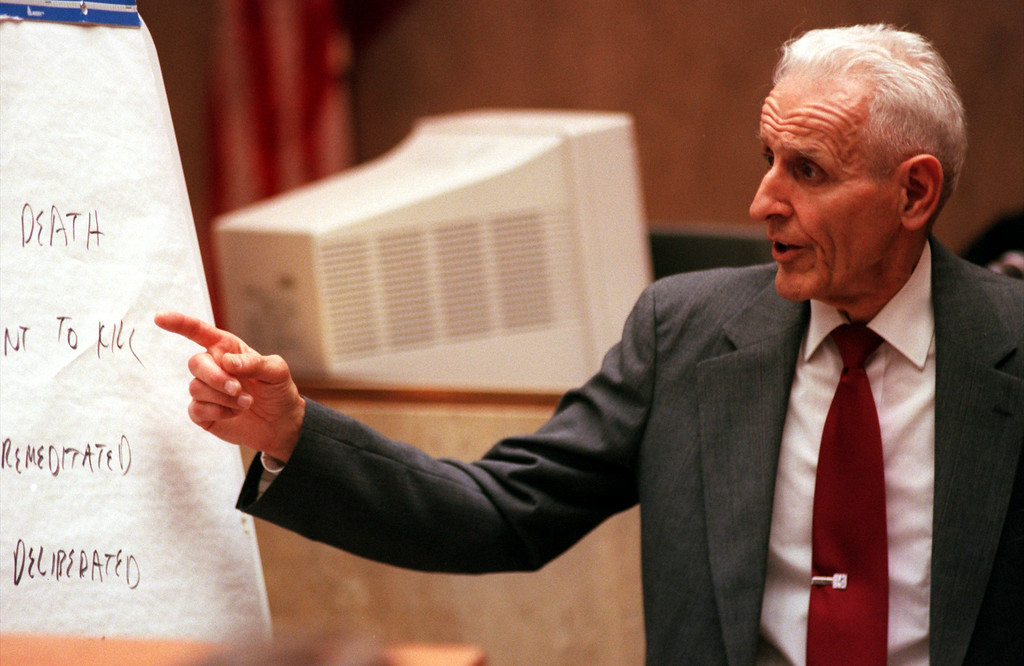 . Doctor Jack Kevorkian representing himself gives his closing argument to the jurors in Oakland County Circuit, Pontiac, Michigan before Judge Jessica Cooper. Doctor Jack Kevorkian is chared with first-degree murder for the lethal injection death of Thomas Youk.