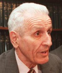Description of . Dr. George Reading, left, Dr, Jack Kevorkian and Neil Nicol during press conference