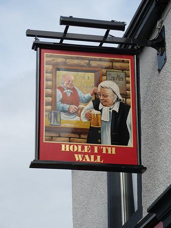 Pub Sign - Hole i'th Wall, East Park Road, Blackburn 131020
